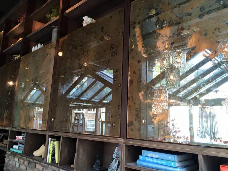Koper antiek verweerde spiegel