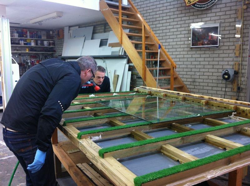 Schitterend maakt antieke spiegels voor Amstel Hotel