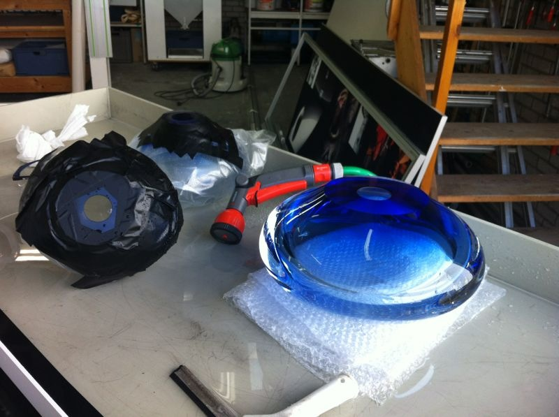 Handgeblazen glazen bollen verzilveren
