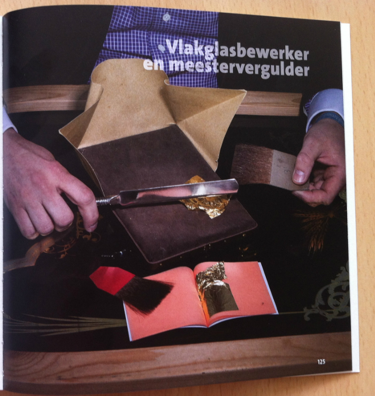 Schitterend listed in Golden Hands; a Dutch book about crafts.